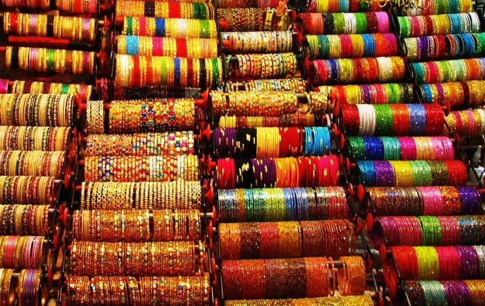 Laad-Bazaar-in-Hyderabad.jpg